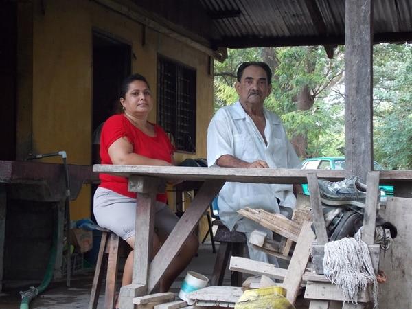 José Alberto Vásquez junto a su hija Flor. | ALVARO DUARTE PARA GN