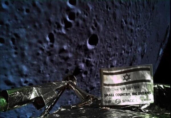 Los tardígrados probablemente sobrevivieron a un aterrizaje forzoso en la superficie lunar de la sonda Beresheet de Israel en abril pasado. AFP