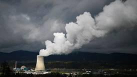 Suiza decidirá si cierra tres reactores nucleares en el 2017