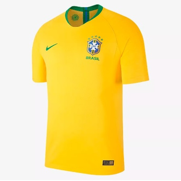 La camiseta de Brasil para el Mundial de Rusia evoca el utilizado por los  brasileños en 229871e37a232