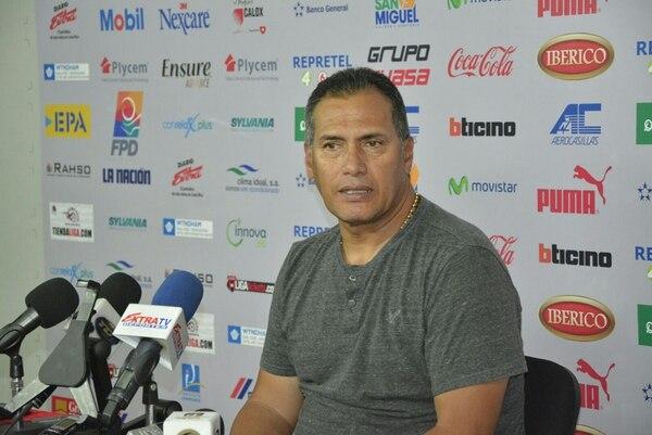 El técnico colombiano Hernán Torres habló este martes en conferencia de prensa