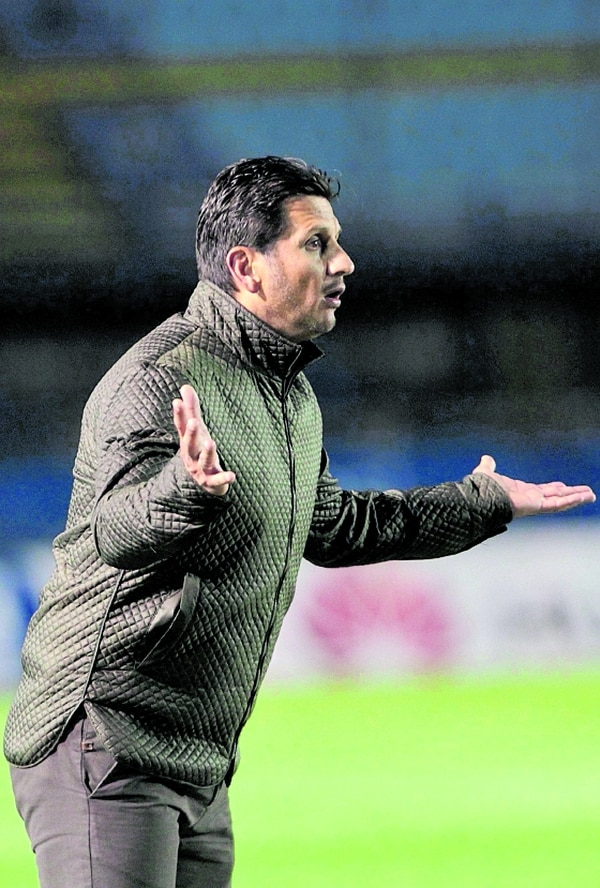Rónald González llegó en el 2017 al banquillo de Comunicaciones. Foto: Cortesía diario Prensa Libre de Guatemala.