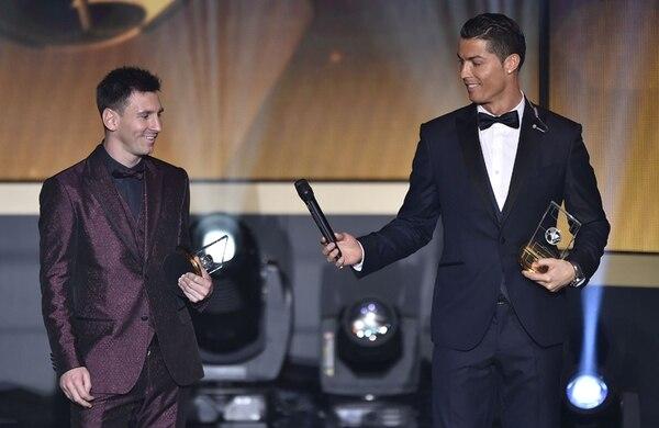 Cristiano Ronaldo, con tres premios de Balón de Oro, se acercó a solo un galardón del argentino Lionel Messi.   AFP