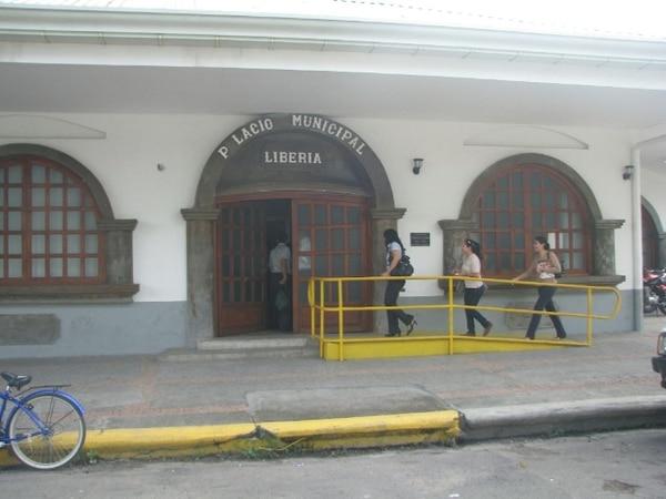 La Municipalidad de Liberia es una de las que se unió al programa y ya puso en vigencia el sistema de Ventanilla Única Institucional. Las entides instaron a los ciudadanos a utilizar el sistema. Foto: Archivo