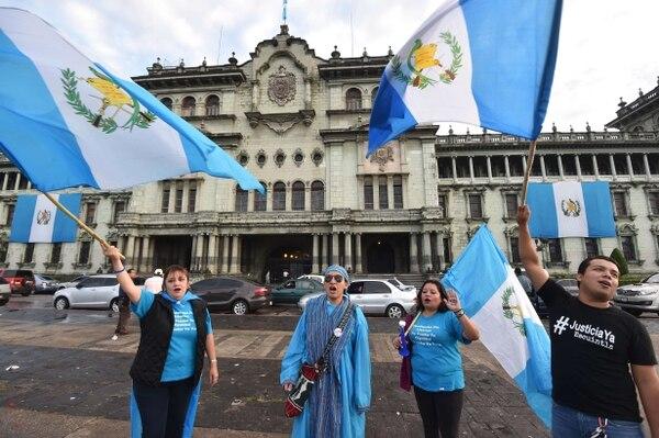 Celebración en Guatemala tras renuncia de Otto Pérez (EFE)