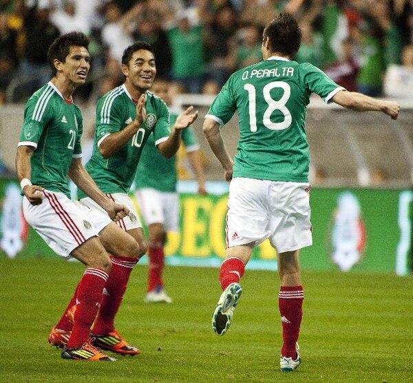 Oribe Peralta es uno de los goleadores de México. | ARCHIVO.