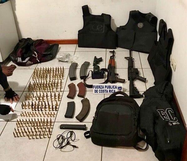 Decomiso de armas en Alajuelita, 6 de julio de 2017