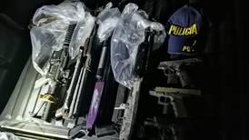 Video: Policía busca a quienes dispararon en vía pública armas automáticas en fin de año