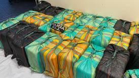 Sujetos movilizaban 855 paquetes de cocaína por playa de Osa en dos carros doble tracción