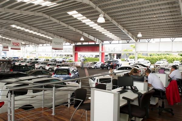 El Grupo Purdy Motor renovó, este 9 de julio, parte de su estructura gerencial. En la imagen, la sala principal de exhibición en Ciudad Toyota, en La Uruca. Foto:Germán Fonseca.