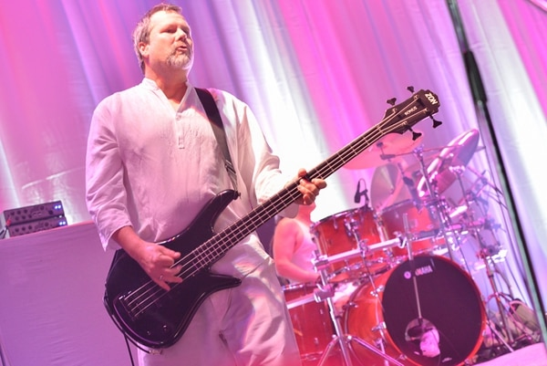 Fundador. Billy Gould creó Faith No More en 1982, junto a Mike Bordin y Roddy Bottum. Kazumichi Kokei/ Move Concerts para LN.
