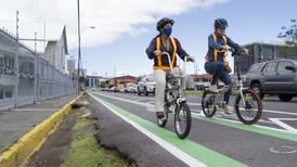 'Calles para la vida' aboga por límite de 30 km/hora donde convivan peatones, ciclistas y conductores