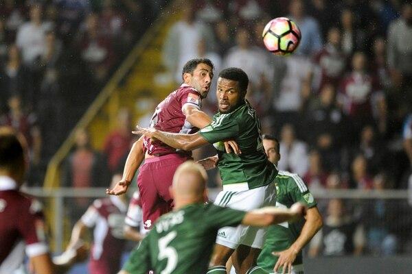 Ronchetti jugó bien contra Portland Timbers. | JOSÉ CORDERO