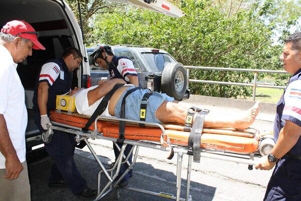 Ambos pacientes presentaban golpes serios, pues cayeron de una altura de cuatro metros.