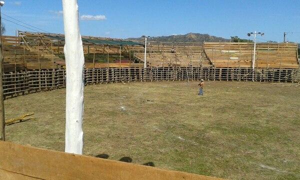 El tablado del campo ferial de Santa Cruz reporta un cien por ciento de avance, según la comisión de festejos de esa ciudad de Guanacaste.