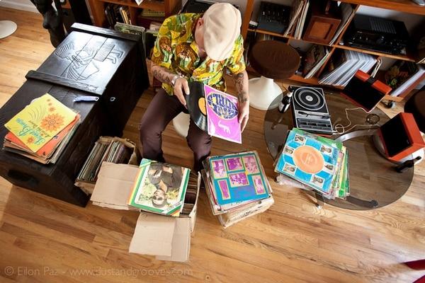 DJ viajero. Frank Grossner ahora reside en Tiquicia. Cortesía Eilon Paz