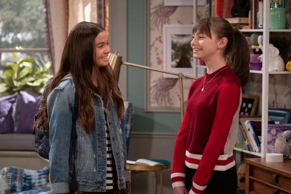 Nick y Molly (de izq. a der.) son interpretadas por las actrices Siena Agudong y Lauren Lindsey Donzis, respectivamente. Fotografía: Netflix para La Nación