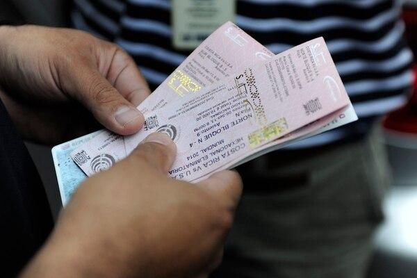 Incluir el nombre y número de cédula del comprador en los tiquetes podría disminuir la reventa, pero dificultaría el ingreso a los estadios. | JORGE NAVARRO