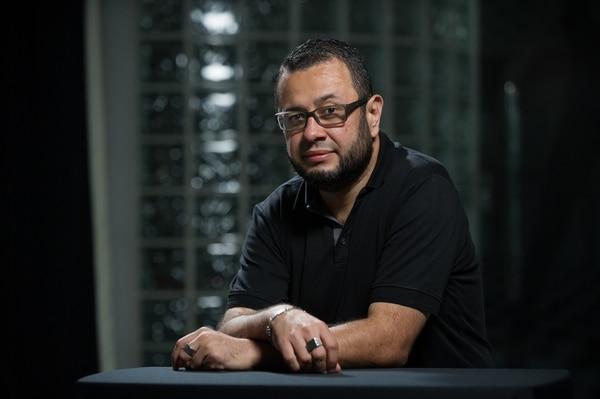 Gustavo Arroyo es un abogado y poeta de 39 años que desde el 2010 se dedica a escribir lírica. Jeffrey Zamora.