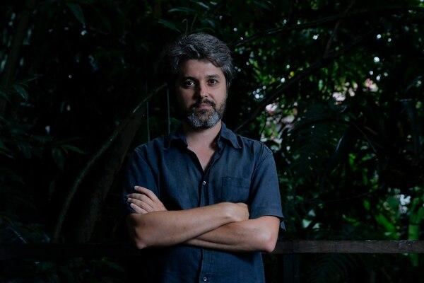 Daniel Barroca se formó en la Escuela Superior de Artes y Diseño de Caldas da Rainha. Trabaja con fotografía, dibujo y texto; actualmente, también cursa una maestría en Antropología. Mayela López.