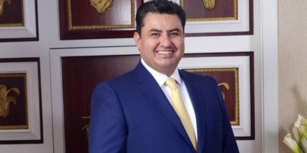 El líder de la iglesia Luz del Mundo, Naasón Joaquín García, fue detenido por presunto tráfico de personas, pornografía infantil y otros delitos de índole sexual en Estados Unidos, confirmó la fiscalía de California.
