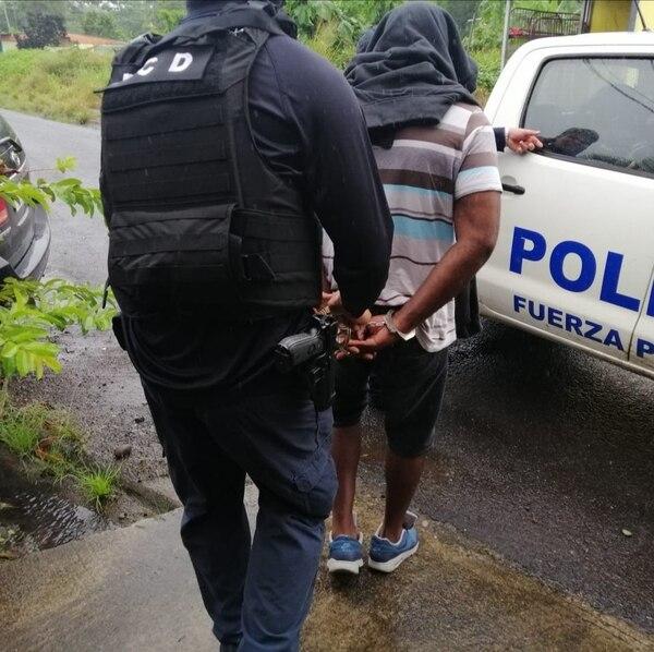 Mina Garcés de 50 años fue detenido durante un allanamiento a su casa ubicada en urbanización Gerifales, en Guácimo de Limón. Foto cortesía de MSP