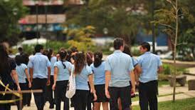 Contra la exclusión: En Liceo de Guápiles alumnos 'acusan' a los que están en peligro de desertar