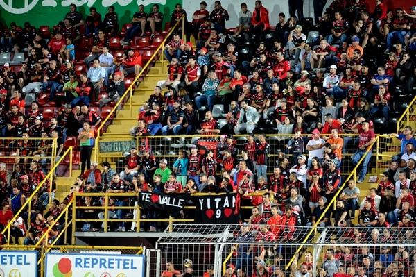 En la Liga sueñan con ver el estadio lleno este sábado, cuando se dispute el último clásico del Verano.