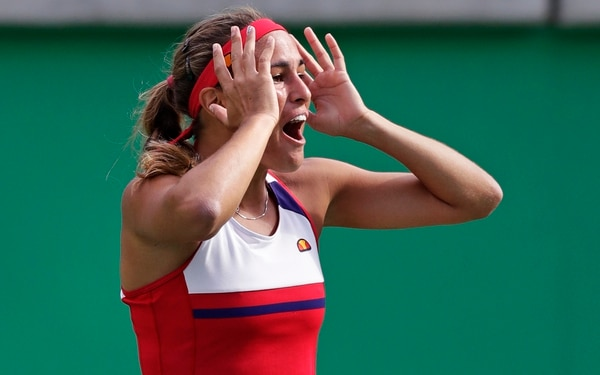 Mónica Puig alcanzó la estatura de leyenda puertorriqueña al vencer este viernes por 6-4, 1-6, 6-3 a la checa Petra Kvitova.
