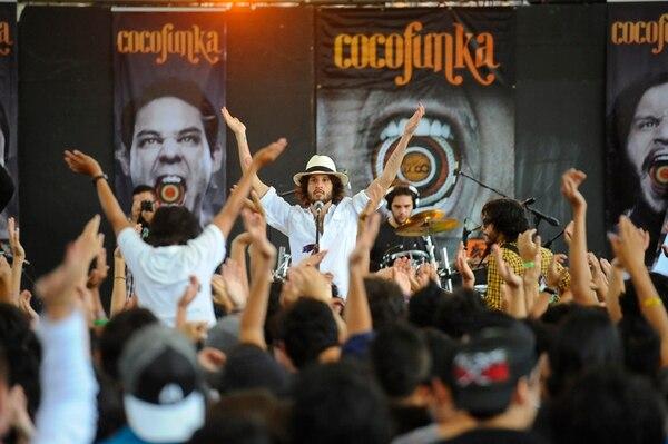 Cocofunka durante el concierto de presentación del disco 'Hacer ecoo', en mayo del 2012, en el Cenac, en San José. /Fotografía: Camille Zurcher/Archivo.