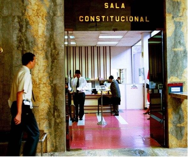 La resolución la adoptó la Sala Constitucional el pasado 30 de abril pero el voto integral lo comunicaron hoy.   ARCHIVO LN