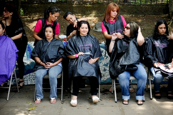 Se harán pelucas para pacientes de cáncer, con el pelo donado. | ARCHIVO
