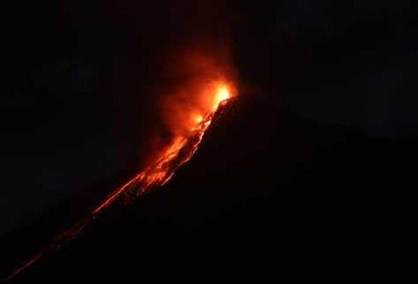 Una de las erupciones del volcán de Fuego, en Guatemala, registrada este 2015.