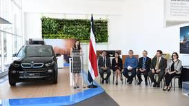 BMW inauguró la primera electrolinera pública